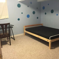best room for rent good location to university with bus