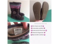 Clarks infants size 8G perfect condition