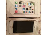 I phone 5s gold 16gb O2 with new pink case