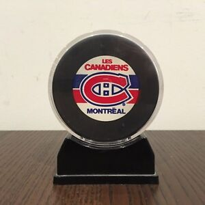 """Montreal """"Les Canadiens"""" In Glas Co. Hockey Puck"""