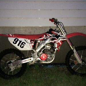 2007 CRF250R WITH UNDER 60 HOURS!!! Kingston Kingston Area image 1