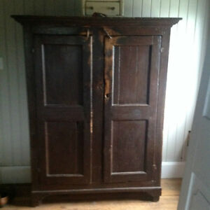 ARMOIRE ANTIQUE EN PIN