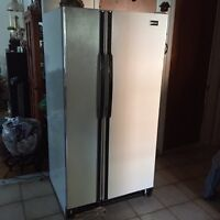 FREE Frigidaire fonctionnel à donner!!!!!  Fridge to give!!!!!