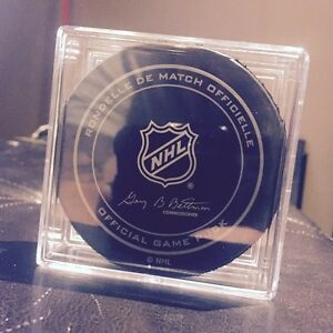 Edmonton Oilers Inaugural Season Game Used Puck and Case  Strathcona County Edmonton Area image 2