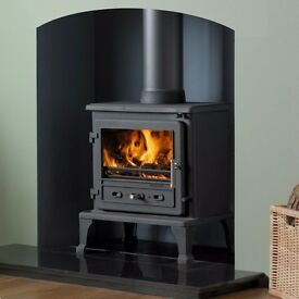 8KW DEFRA MULTI FUEL WOOD BURNING STOVE WITH FLUE LINER FLUE PIPE,COWL AND ADAPTER BARGAIN £799