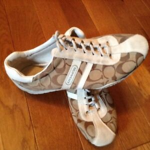 Coach shoes size 8 London Ontario image 2