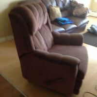 Felt reclining chair/ Fauteil inclinable en feutre""