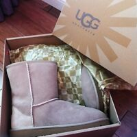 New Sand Colour Uggs size 6