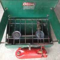 Coleman camping stove, working good