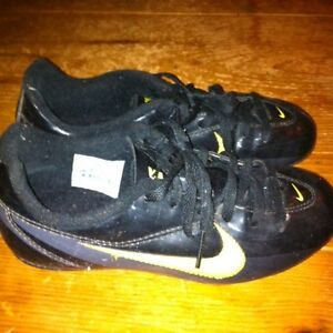 Soccer shoes. Nike child size 13