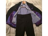 Amazing Three piece suit size 28.. Or aged 8/9