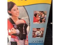 Tomy freestyle baby carrier