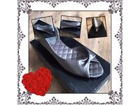 Dorothy Perkins women's grey shoes size 4 5 & 6