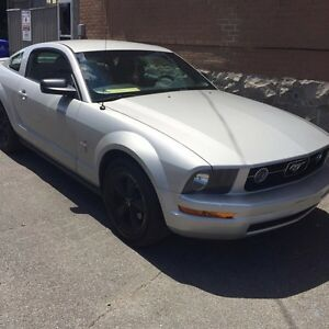 Ford mustang  année 2007 a vendre.
