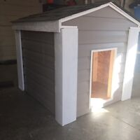 Large Dog house  , walls insulated . Well built !  Never used !