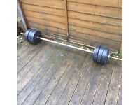6ft barbell with 30kg of weights ��20
