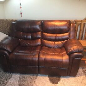 Leather 2 piece suite with recliner