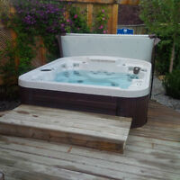Coast Radiance Lounger 6 Person Hot Tub -Two 5HP Pumps, 48 Jets