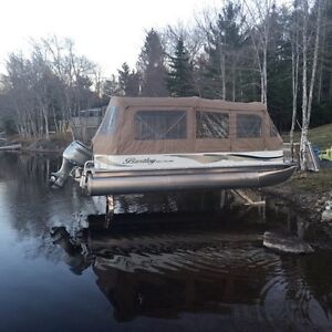 2008 Bentley Pontoon with 130hp and hydraulic legs
