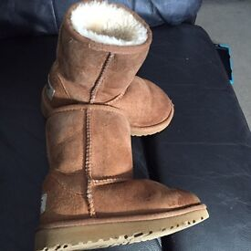 Size 8 toddler chestnut ugg boot genuine with box