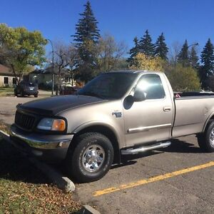 2003 Ford F-150 7700 Series Pickup Truck