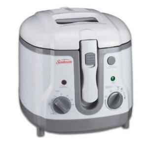 Sunbeam Deep Fryer 1.5 litre capacity