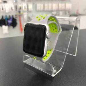 MINT CONDITION APPLE WATCH SERIES 2 NIKE 42MM WARRANTY SLIVER