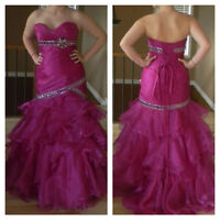 Beautiful Mermaid Style Prom Dress Size 10