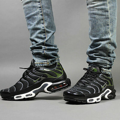 size 40 3ebdf 75697 Mens Nike Air Max Plus TN Sneakers New, Black   Legion Green 852630-007