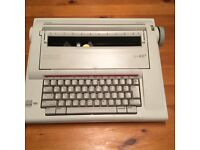 Electric typewriter in very good condition