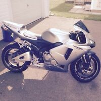 2006 Honda CBR600RR for sale or trade for dirt bike. Low kms