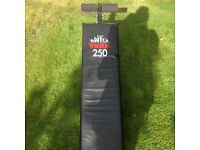 York 250 Sit Up Bench