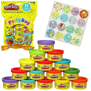 Play-Doh Party Bag 15 Fun-Size Cans Great Party Favors