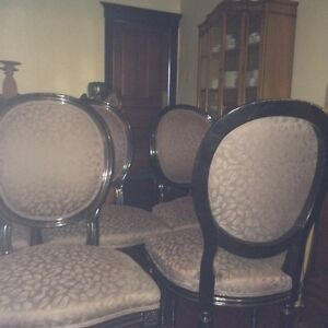 Rare set of 8 French style oval back chairs Cambridge Kitchener Area image 5