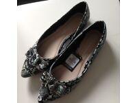Ladies snake skin flat shoes