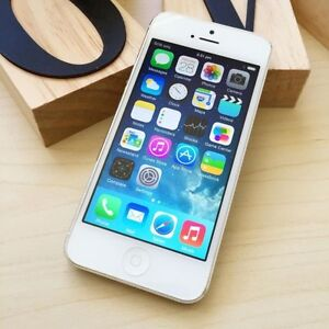 Pre owned iPhone 5 white 16G UNLOCKED au model with charger Calamvale Brisbane South West Preview