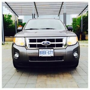 *~ 2010 FORD ESCAPE XLT SUV [NAVIGATION-LOW-KM-FUEL-EFFICENT] ~*