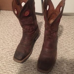 Ariat boots. Size 9EE