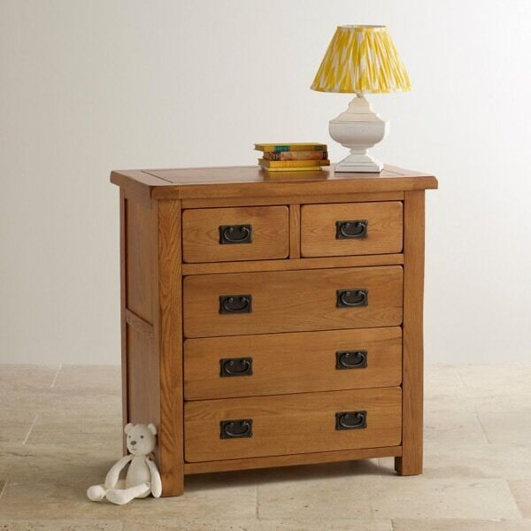 Oak Furniture Rustic Solid Oak 3 2 Chest of Drawers and Beside tablein Hayes, LondonGumtree - Oak Furniture Rustic Solid Oak 3 2 Chest of Drawers Dimensions as per images.RRP IS AROUND £550 in the store. There are a few scratches at the top as per the third image but otherwise is immaculate condition. Matching bedside table also available,...