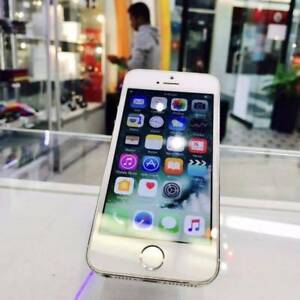 GOOD CONDITION IPHONE 5S 32GB SILVER TAX INVOICE UNLOCKED Surfers Paradise Gold Coast City Preview
