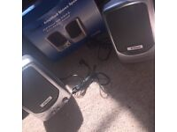 Amplified stereo speaker