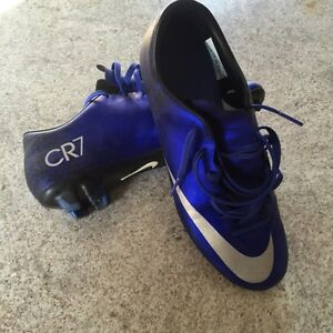 CR7 youth size 6 1/2 soccer shoes Cambridge Kitchener Area image 1