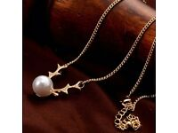 Vintage Faux Pearl Deer Horn Pendant Necklace