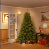 Beautiful Artificial Christmas Tree - 7.5' Tall