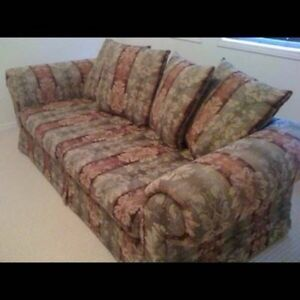 SOFA/COUCH - Classy & Comfy