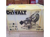 DeWALT DW718 compound mitre saw with additional blade