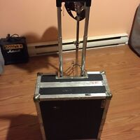 SOLID ROAD CASE WITH HANDLE AND WHEELS