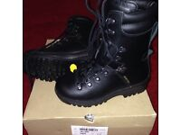 Size 5 (m) walking/hiking/work/military boots £30