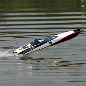 New RC Boat Brushless Electric Apparition Fiberglass Twin Hull Peterborough Peterborough Area image 1