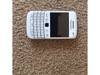 Blackberry curve white